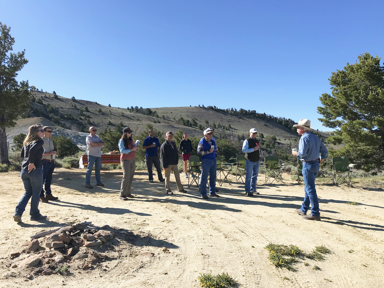 Governor tours the Red Desert with citizens group and Outdoor Council staff